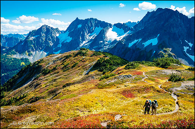 Hikers on Sahale Arm at Cascade Pass Trail, North Cascades, Washington